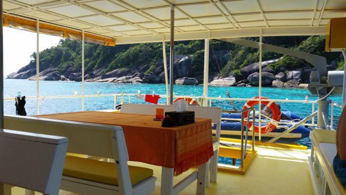 Tauchschiff MV Amapon Essensbereich