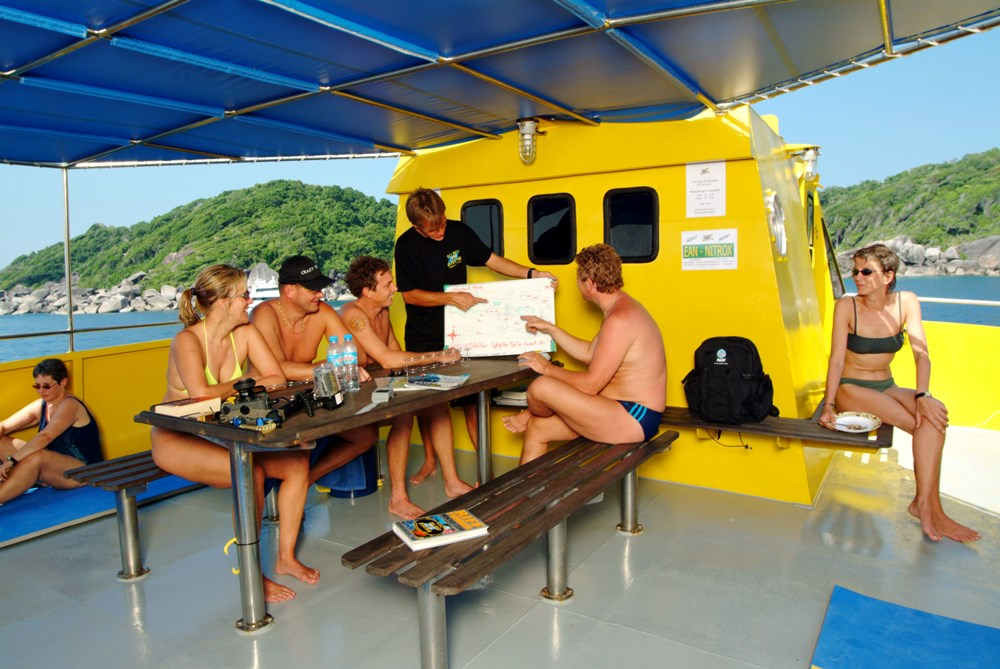 Briefing auf dem Tagestour Tauchschiff MV Stingray