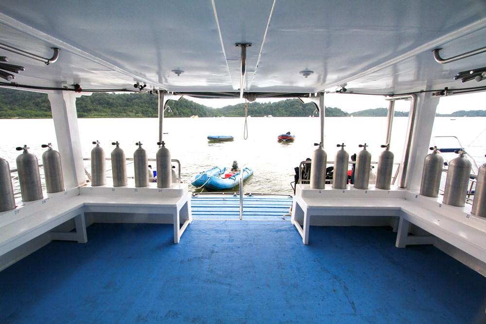 Tauchschiff Manta Queen 1 Tauchdeck