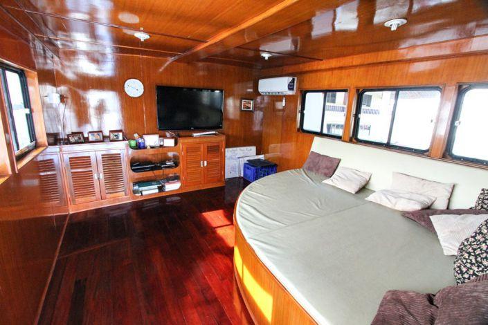 Tauchschiff Manta Queen 1 Salon