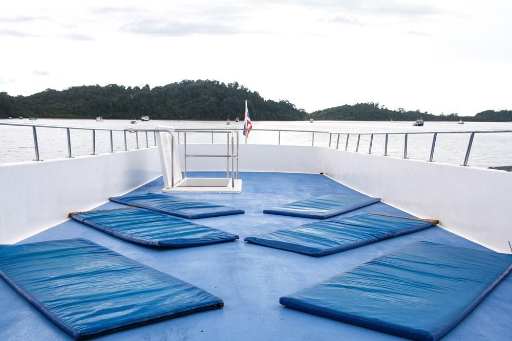 Tauchschiff Manta Queen 1 Sonnendeck