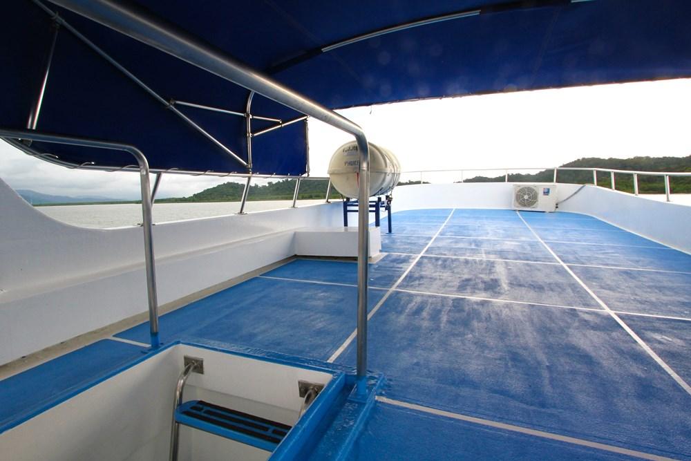 Tauchschiff Manta Queen 2 Sonnendeck