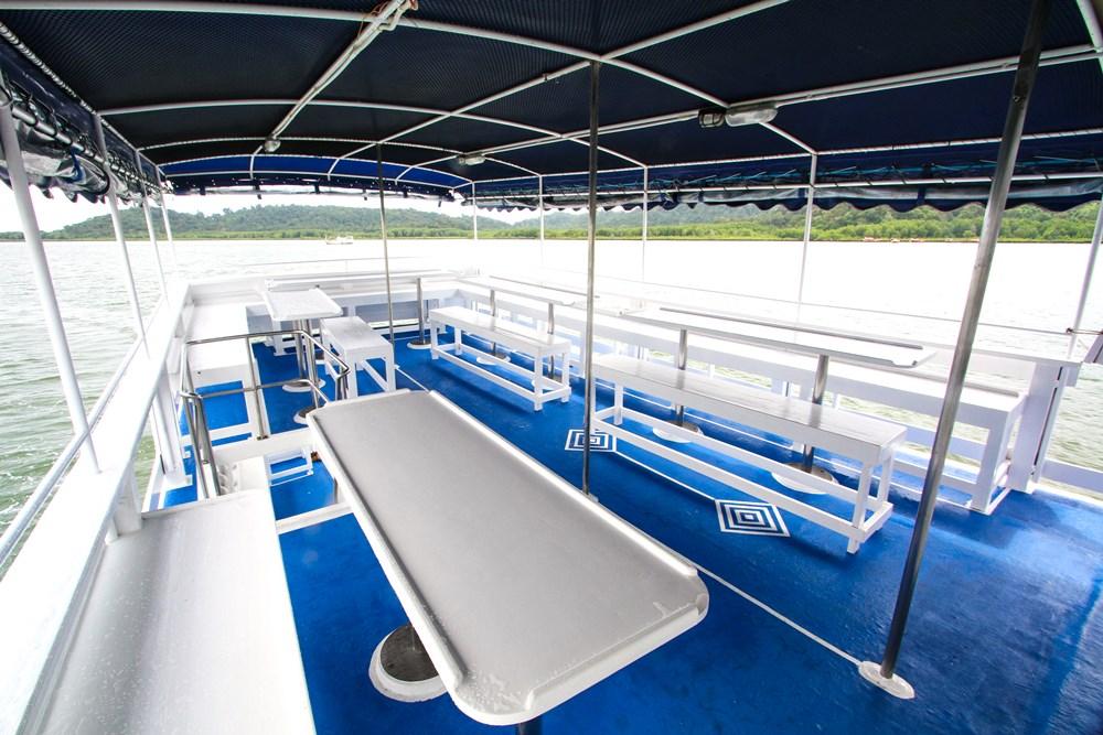 Tauchschiff Manta Queen 5 Essensbereich