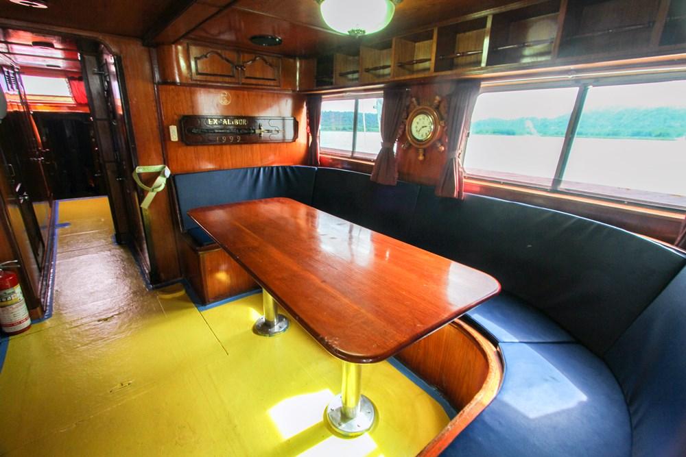 Tauchschiff Manta Queen 6 Saloon