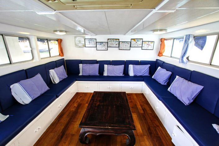 Tauchschiff Manta Queen 7 Saloon