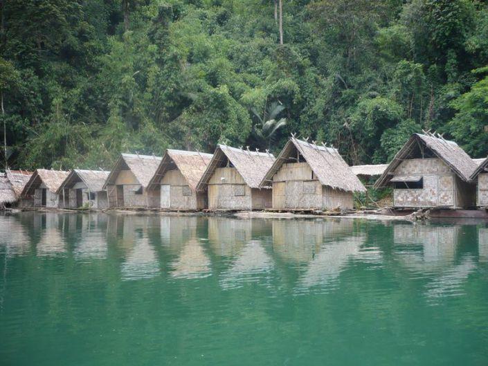 Rafthäuser im Khao Sok