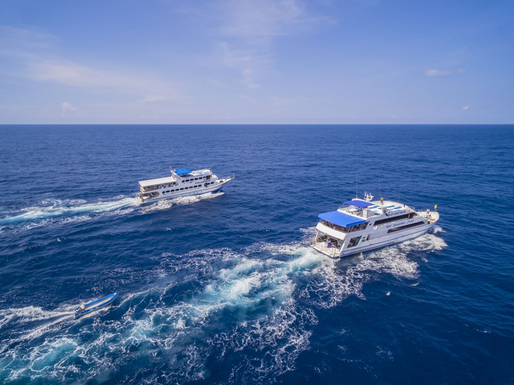 Tauchschiff MV Sawasdee Fasai unterwegs